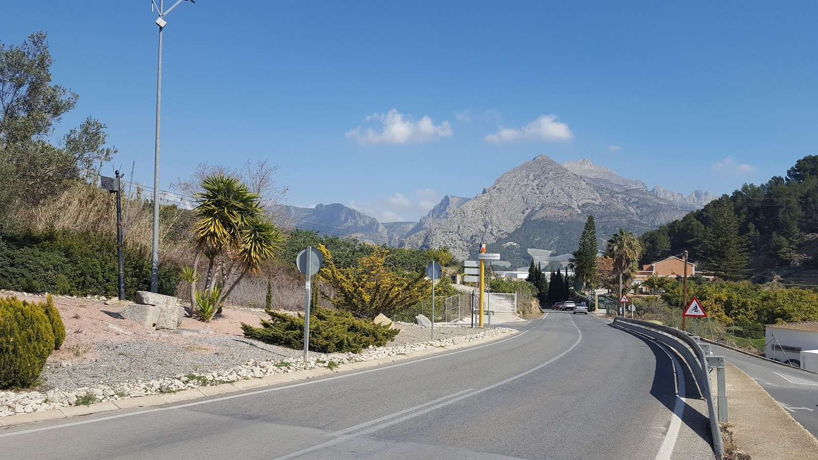 The southern approach to Coll de Rates from Callosa d'en Sarrià