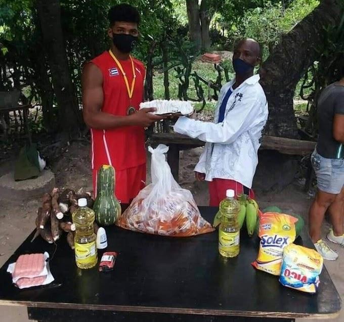 Boxeador cubano Ronny Álvarez se queja de que la yuca que le fue obsequiada no se ablandó