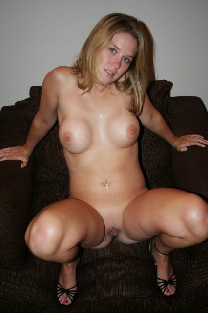 Full frontal blonde amateur nude