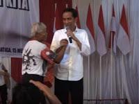 Pedagang Bangkrut Massal, Pak Tua ini Tagih Janji Bombastis Jokowi Saat Pilpres