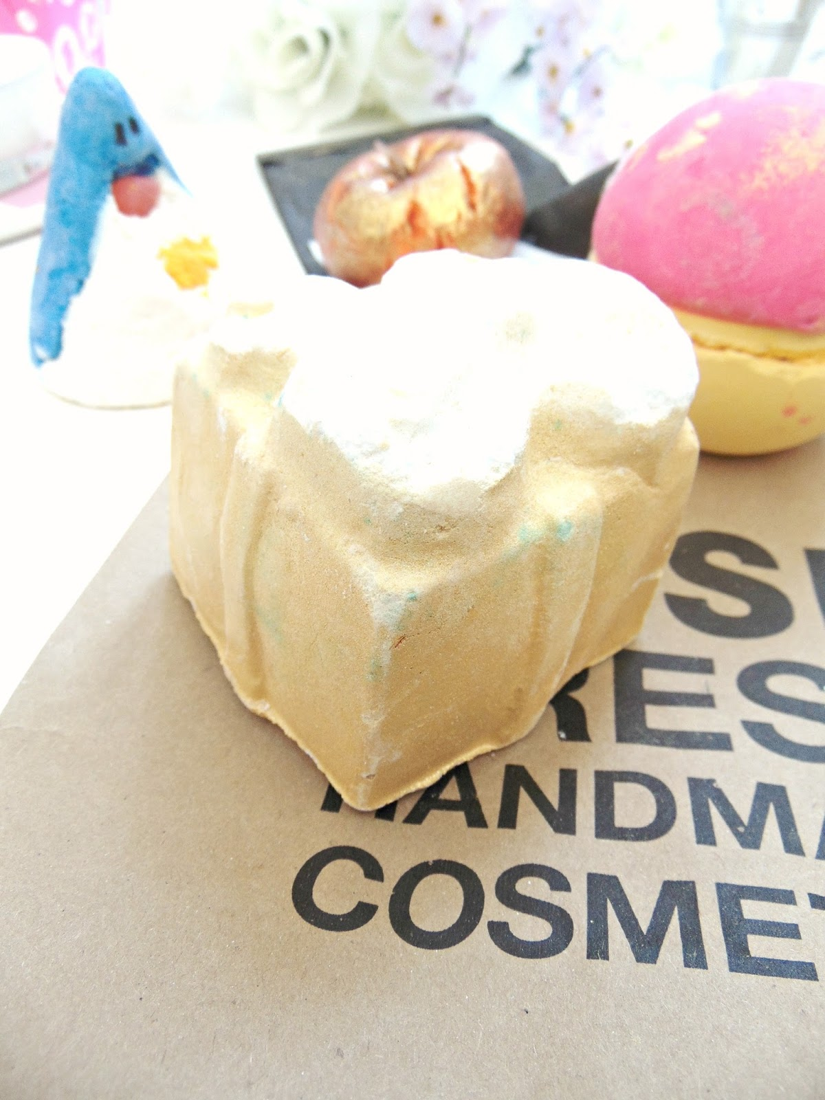 Golden Wonder Bath Bomb