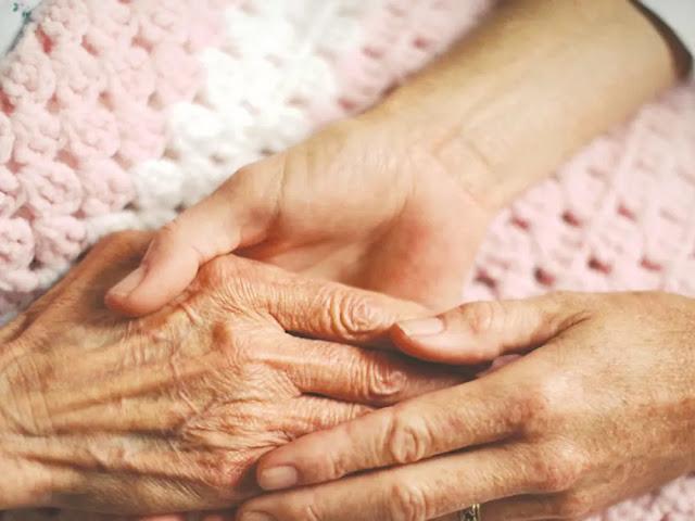 Η  Περιφέρεια Πελοποννήσου σχεδιάζει δράσεις για διευκόλυνση της ζωής των ηλικιωμένων