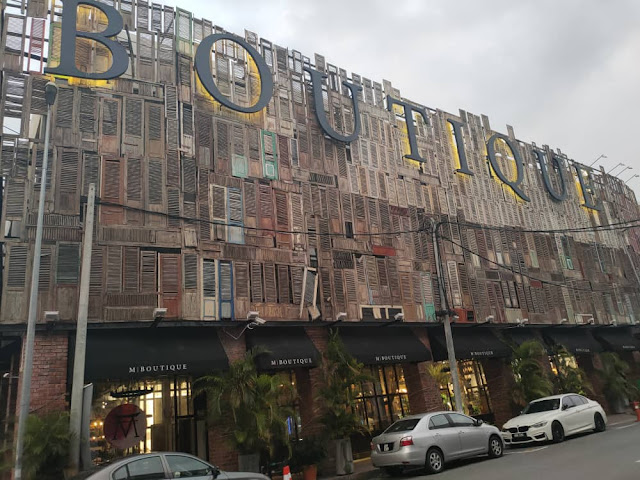M Boutique hotel from parking