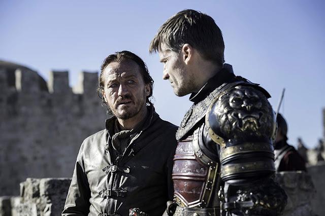 Bronn (Jerome Flynn) y Jaime Lannister (Nikolaj Coster-Waldau).