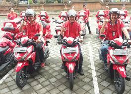 Tap Armada Motor Mobile Grapari Telkomsel Siap layani pelanggan pelosok