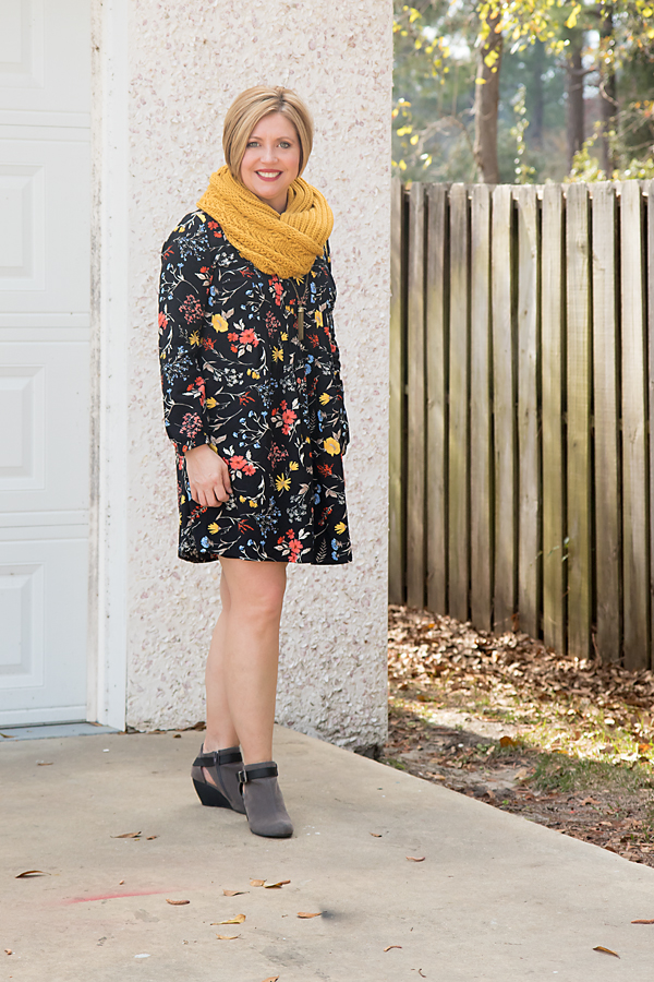 afc95ad3f3 Old Navy pintuck swing dress and link up - Savvy Southern Chic