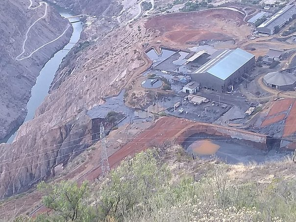 Emergencia ecológica en Huancavelica por derrame de relave minero en río Mantaro