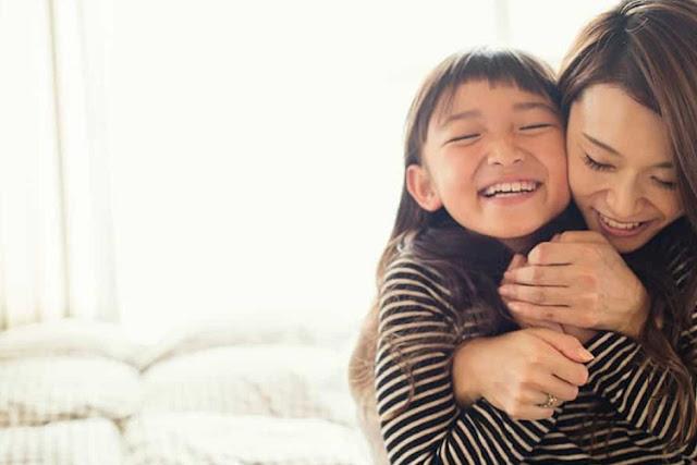 Hati-Hati Sering Memuji Anak Cantik, Mengapa? Ini Alasannya!