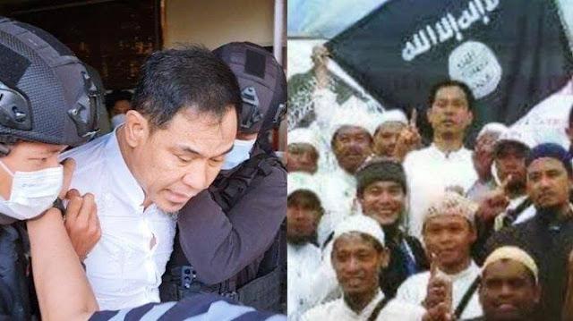 Heran Dikaitkan dengan Baiat, Pengamat: Mengapa Munarman Tidak Ditangkap dari Dulu?
