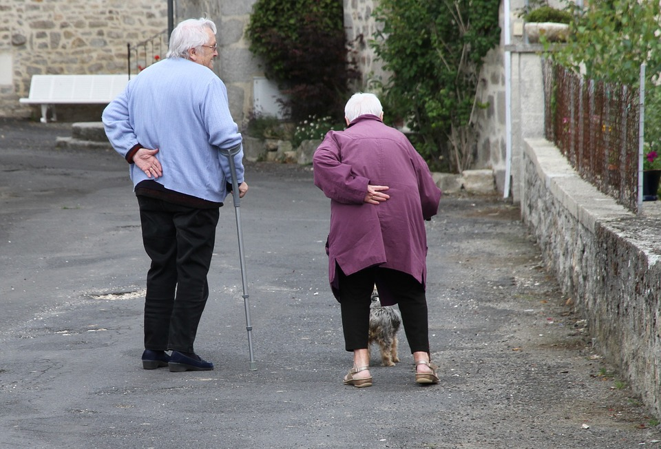 Health experts stress importance of strength training for older people