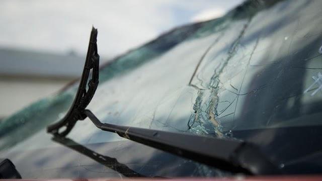 Nagy baleset történt: szalagkorlátnak csapódott egy tréler az M3-as autópályán