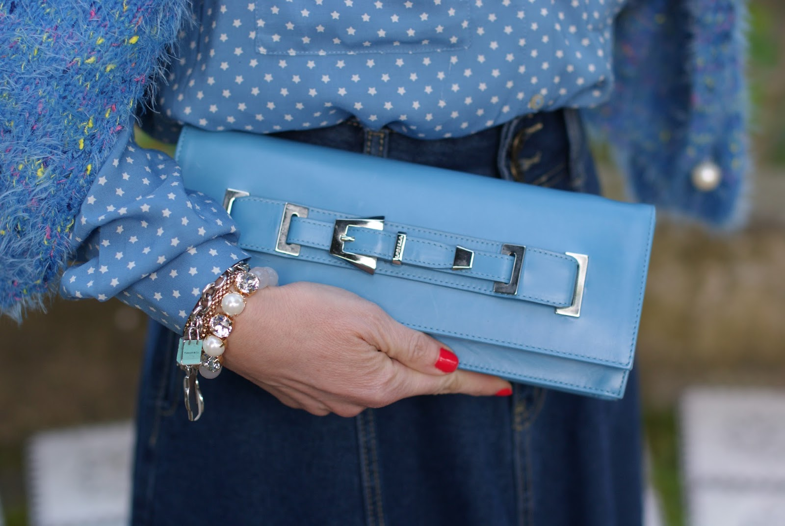 Le Silla clutch on Fashion and Cookies fashion blog, fashion blogger style