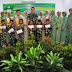 Dandim 0808/Blitar, menyerahkan hadiah lomba mewarnai antar TK Kartika Jaya