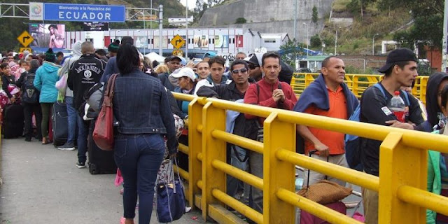 Ecuador permitirá el paso de venezolanos que tengan visas para terceros países