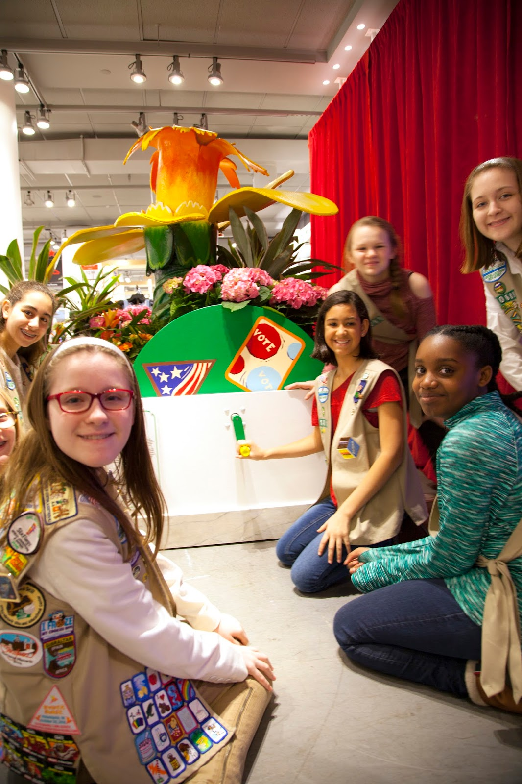 Girl Scout Cookie Nail Art: Badges Are In Bloom At The Macy's Flower Show