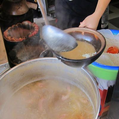 Clay-Pot-Chicken-Rice