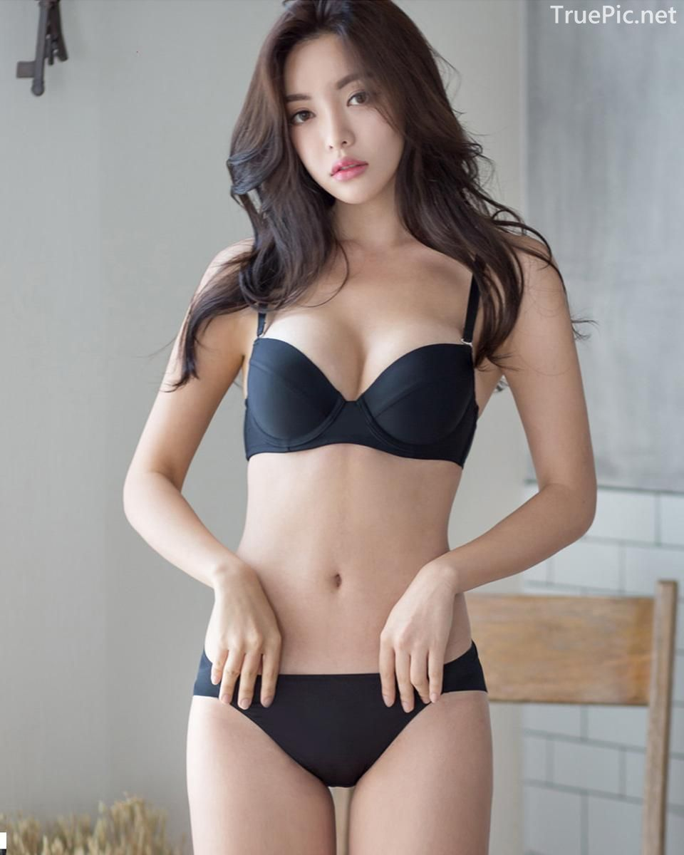 Korean model and fashion - Jin Hee - Black and white Lingerie - Picture 5