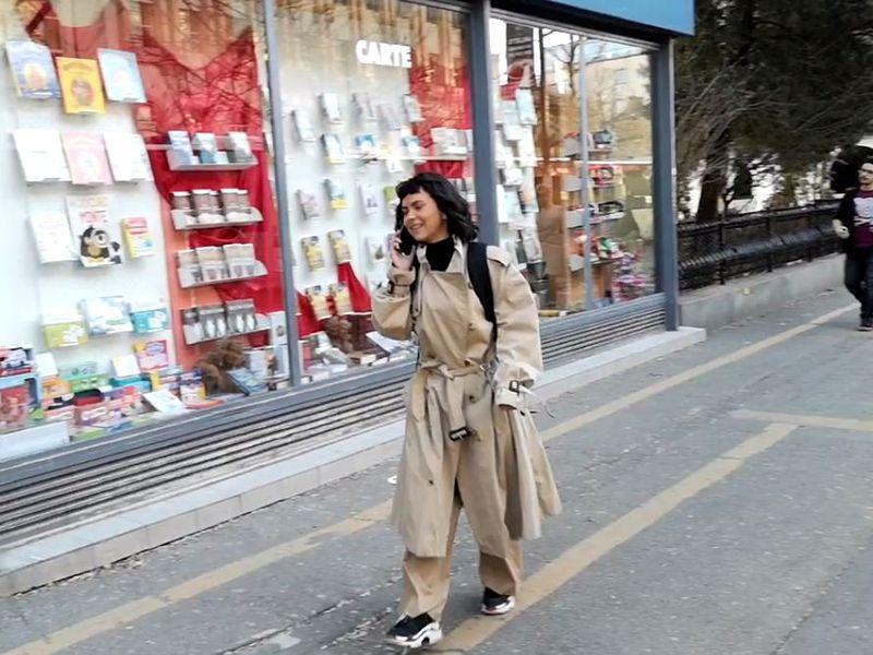 Fanii de peste hotare leșină când o văd în realitate, în România trece neobservată. Cum a fost filmată Inna, pe străzile din București!