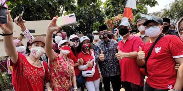 "Kisah Anies ""Diprotes"" Teman Hingga Diajak Selfie Pengunjuk Rasa Masjid At Tabayyun"