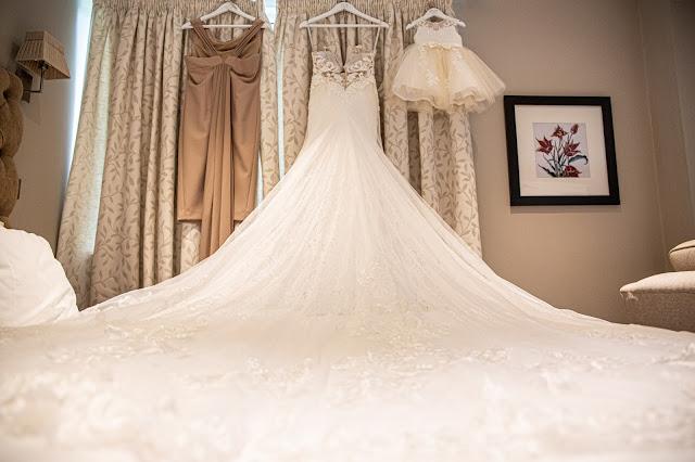 wedding photograper Holdsworth house