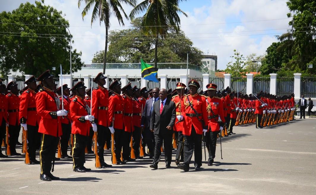 Rais Magufuli Awatunuku Kamisheni Maofisa 197 wa JWTZ