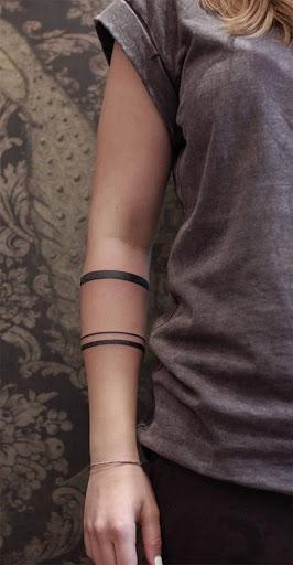 Mais preto braçadeiras, porque a mediocridade é galopante no mundo moderno.