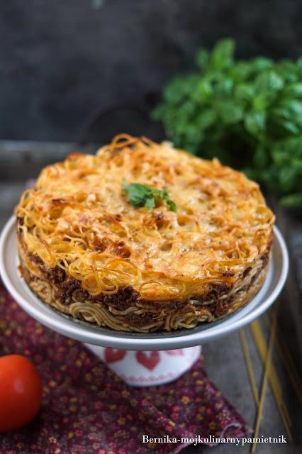 Tort spaghetti bolognese