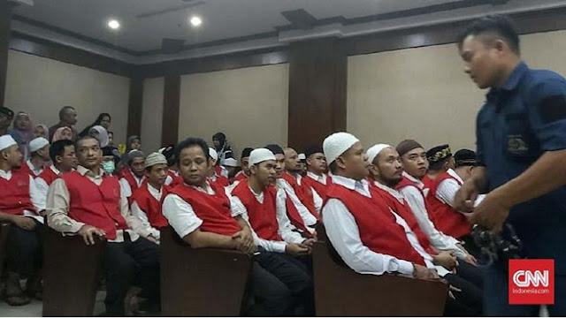 MIRIS!! Kasus 22 Mei, 29 Pegawai Sarinah Divonis 4 Bulan Penjara Karena Memberi Air Kepada Massa Untuk Membasuh Muka