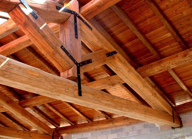legno-capriata-struttura-tetto-eurocodice-normativa