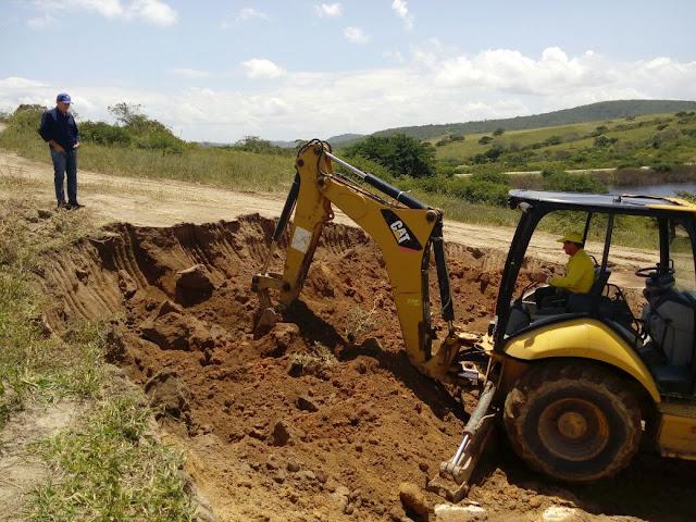 Prefeitura realiza trabalhos de melhorias e alargamento de estradas rurais