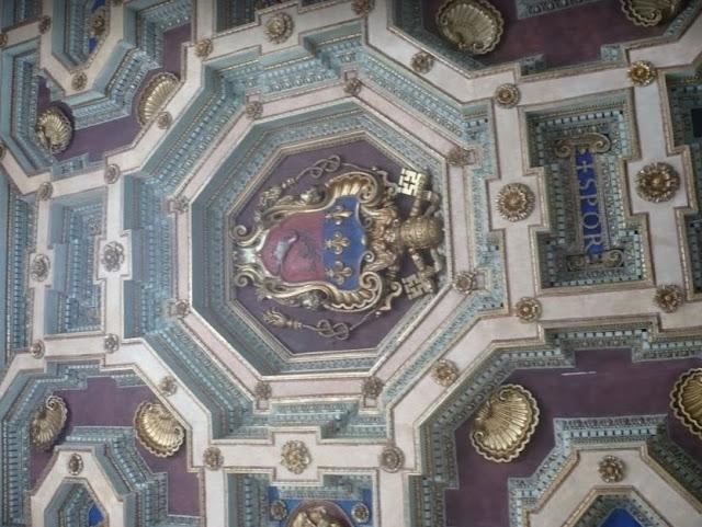 decori sui soffitti di palazzo nuovo