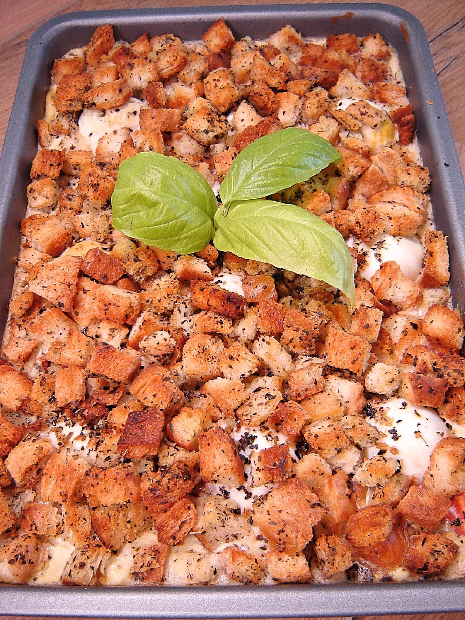 Zapiekanka tostowa z szynką i jajkami