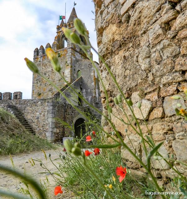 Torre do Relógio e muralhas do Castelo de Montemor-o-Novo