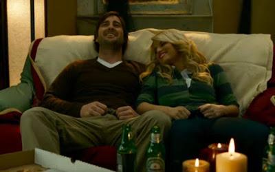 Ben (Luke Wilson) e Katie (Jessica Simpson) se conhecem em Nova York