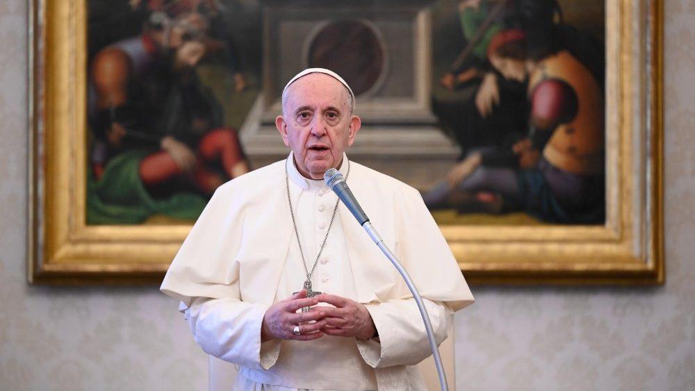 4 Pelajaran dari Kesaksian Yesus tentang Doa Menurut Paus Fransiskus