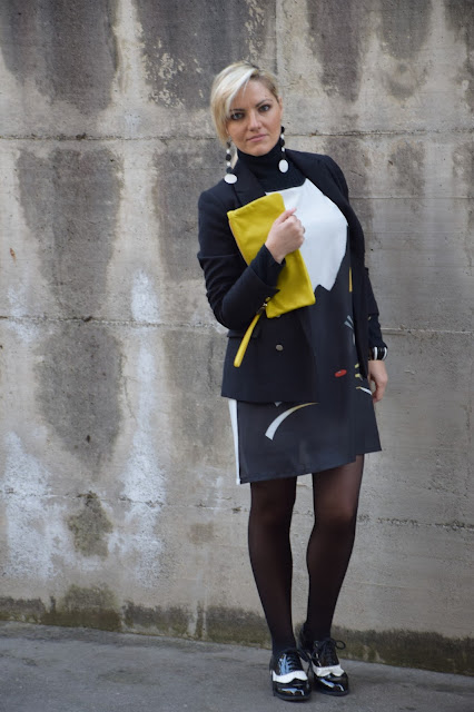 outfit scarpe stringate bianche e nere come abbinare le stringate femminili scarpe bianche e nere black and white derby shoes how to wear derby shoes mariafelicia magno fashion blogger color block by felym fashion blog italiani fashion blogger italiane outfit invernali winter outfits