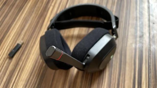 Corsair HS80 RGB Wireless Review