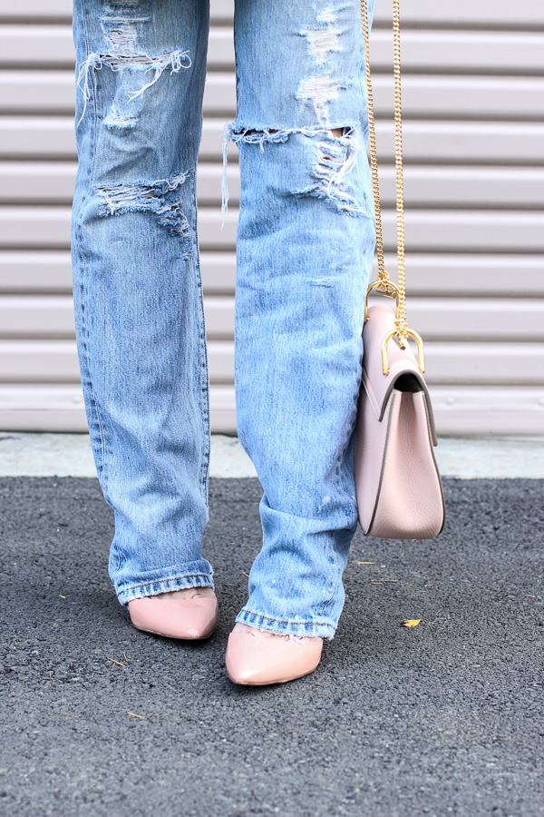 distressed jeans with blush pumps