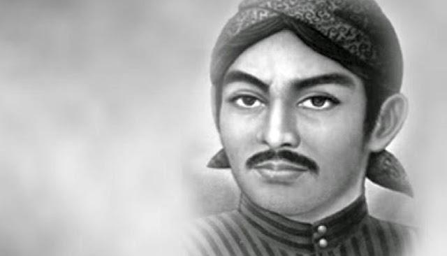 Sunan Kalijaga memiliki nama asli Raden Sahid Adalah