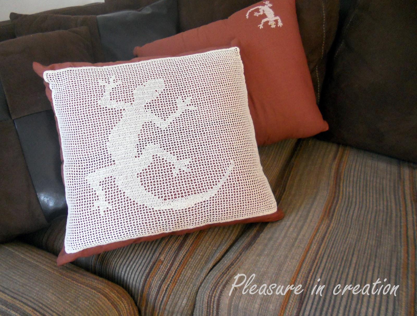 Pleasure in creation: Lizard pillows