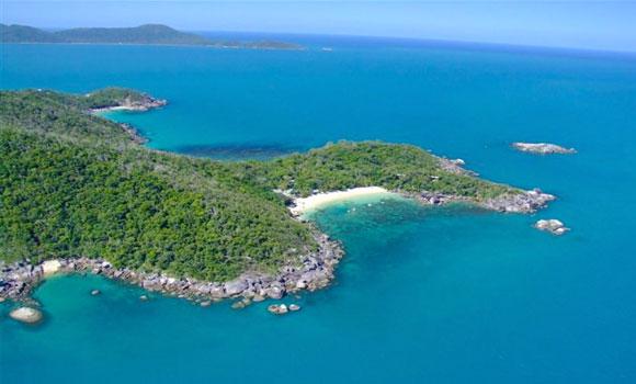 Bedarra Island: Travel & Lifestyle BLOG: It's An