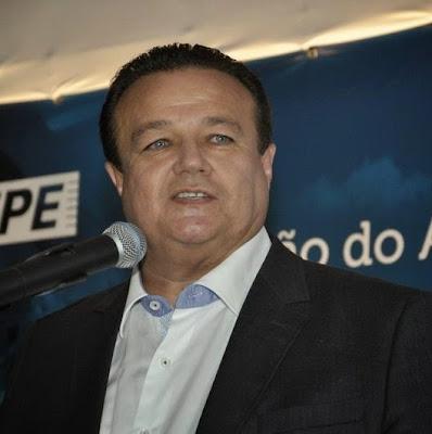 Resultado de imagem para prefeito alexandre arraes araripina