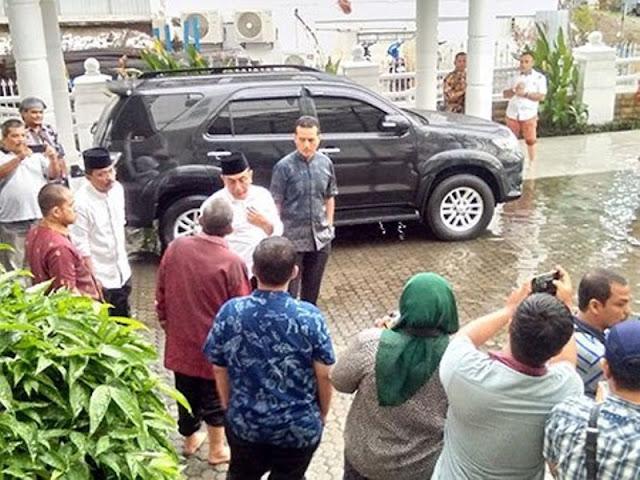 Edy Tegur Lukmanul di Karenakan Kantor Gubsu di Genangi Banjir