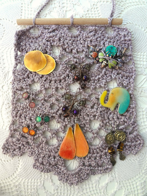 Lace Wall Hanging – Earring & Brooches Display