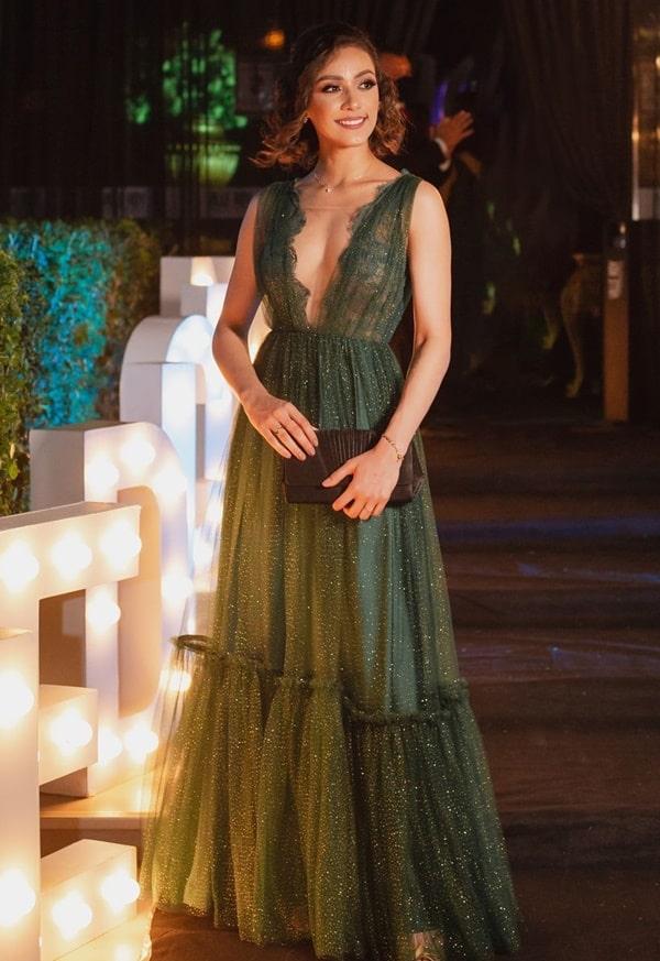 vestido longo verde com glitter para madrinha de casamento