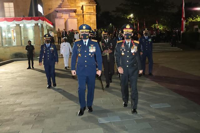Panglima TNI Ikuti Apel Kehormatan dan Renungan Suci