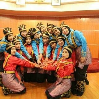 penari saman di hongkong memakai  seragam tari saman buatan tailor elegant