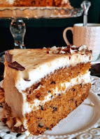 tort marchewkowy z orzechami