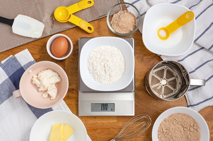 Use a digital kitchen scale in your baking