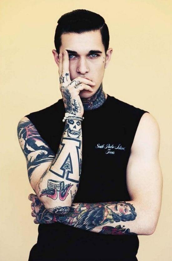 Tatuaje para hombre en los antebrazos